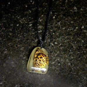 Butterfly-glow-in-the-dark-pendant-necklace-Posh-Cadillac-web-B