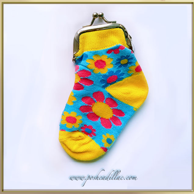 Wallet-socks-Colorful-Fun-Pink-Colourful-Floural-Flower-pattern-web-S